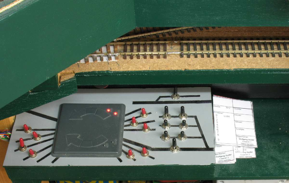 Walthers 90 turntable Model Railroader Magazine Model